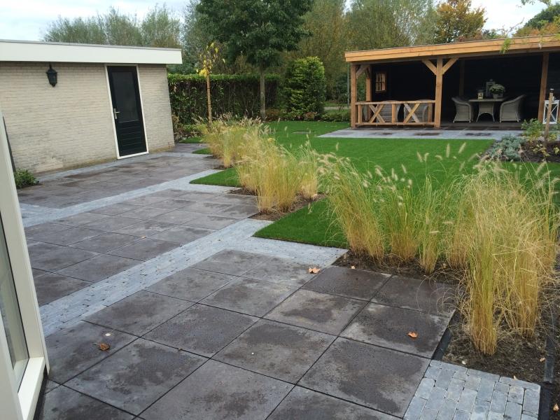 Tuinrenovatie 39 s gravendeel projecten hoveniersbedrijf for Schellevis tegels aanbieding